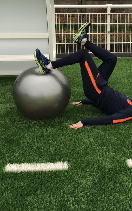 R'TRAINING Preparation physique. Exercice de renforcement musculaire